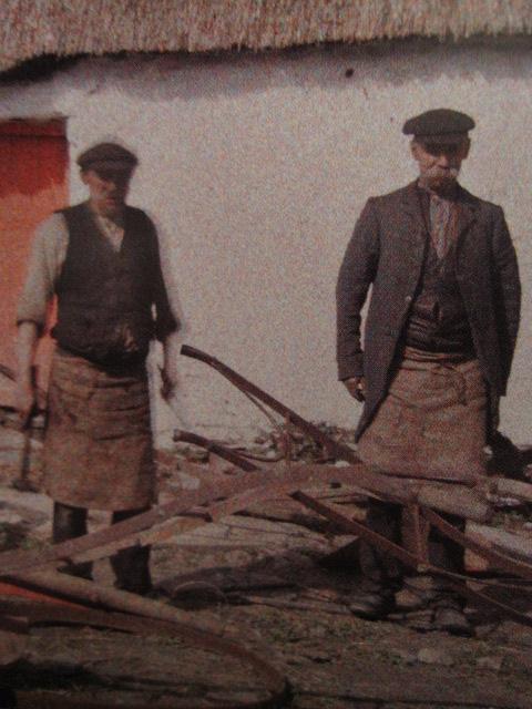 1913アイルランド馬車作り職人